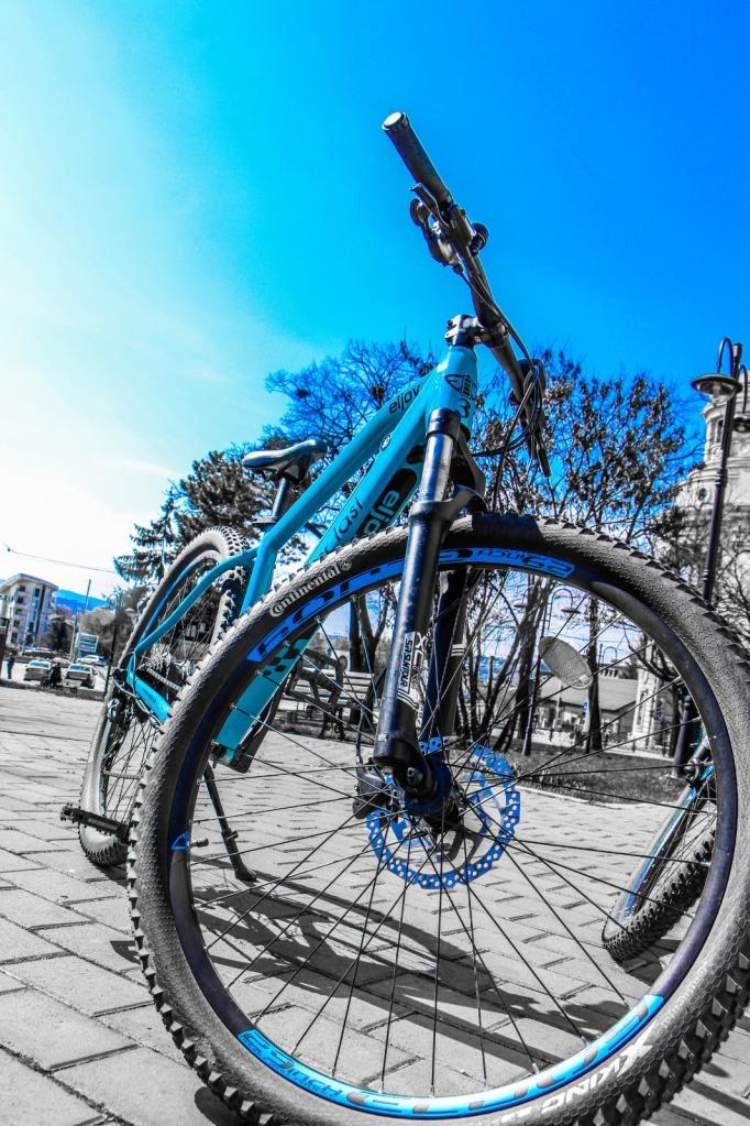 Tur poveștile și legendele Iașului cu biciclete electrice